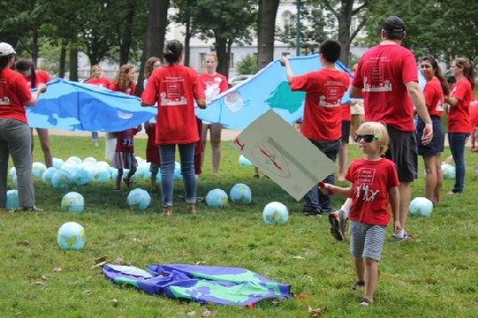Moms Clean Air Force Play-In 2014 parachute