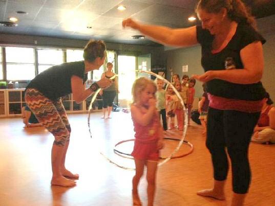 lil omm hula hoop