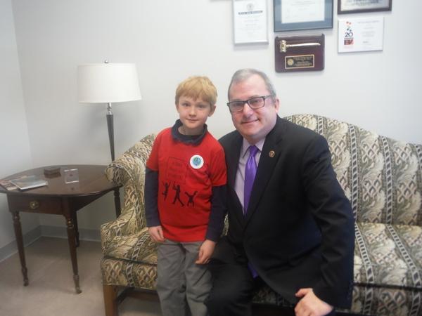 Moms Clean Air Force MamaSummitVA child with VA Senator Adam Ebbin