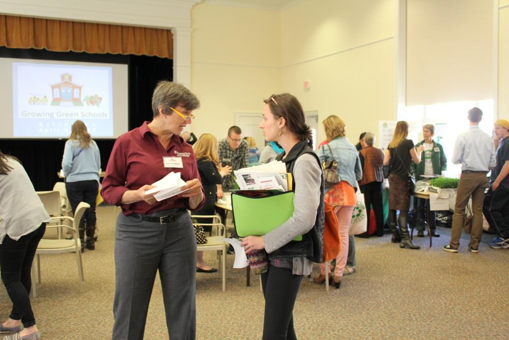 2015 Growing Green Schools in Arlington - Kirsten Buhls, Love & Carrots and crowd