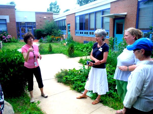 APS Growing Green Schools Garden Meetup Jamestown Elementary 6-8-15 courtyard