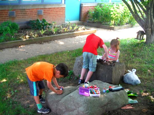 APS Growing Green Schools Garden Meetup Jamestown Elementary 6-8-15 crafts