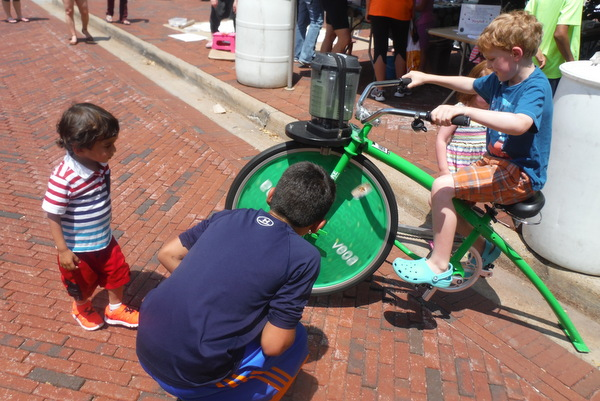 Love Your Body Day 2015 - kids on  bike powering blender