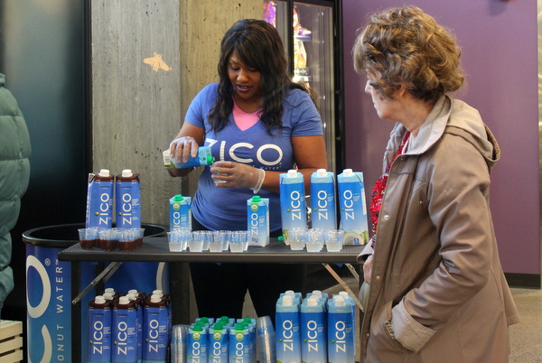 Moms Organic Market Arlington opening by Mindful Healthy Life - Zico