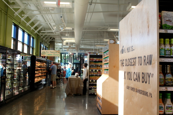 Moms Organic Market Arlington opening by Mindful Healthy Life - long aisle