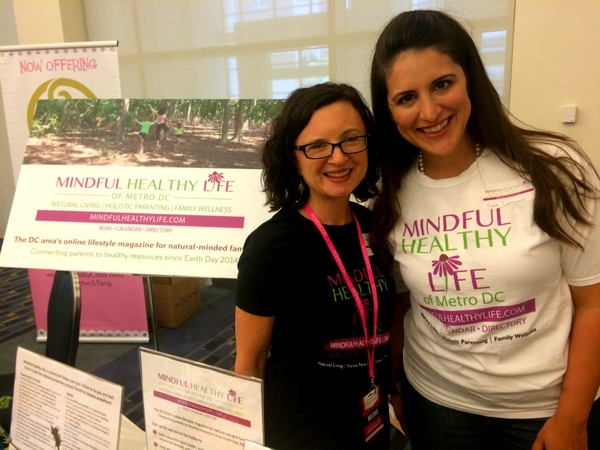 MommyCon Mindful Healthy Life table with Katie