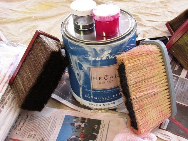 lazure-paint-and-brushes