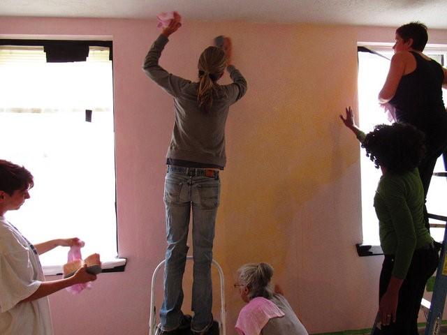 potomac-crescent-waldorf-school-classroom-lazure-in-progress-group-ladder