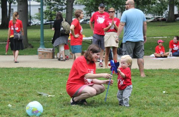 Moms Clean Air Force Play-In 2014 pinwheel