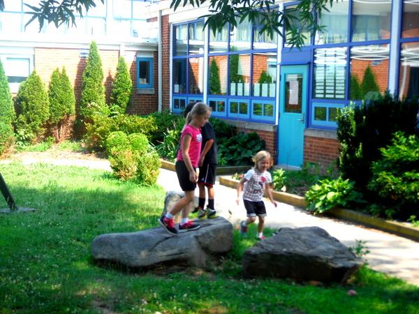 APS Growing Green Schools Garden Meetup Jamestown Elementary 6-8-15 children playing