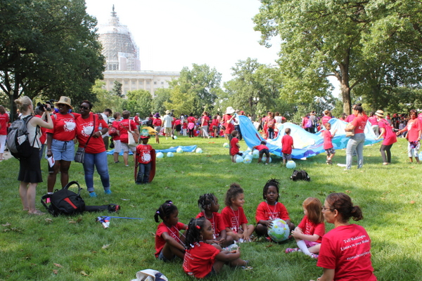 Moms Clean Air Force Play-In for Climate Action 2015 yoga and scene