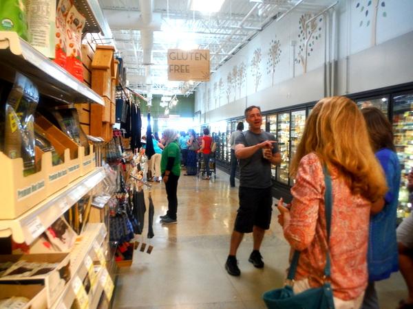 MOM's Organic Market Woodbridge Opening - Scott Nash and gluten-free - Mindful Healthy Life