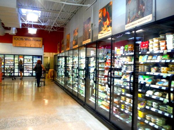 MOM's Organic Market Woodbridge Opening - aisle - Mindful Healthy Life