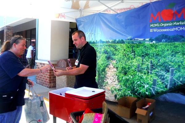MOM's Organic Market Woodbridge Opening - popsicles - Mindful Healthy Life