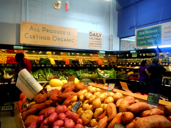 MOM's Organic Market Woodbridge Opening - produce - Mindful Healthy Life