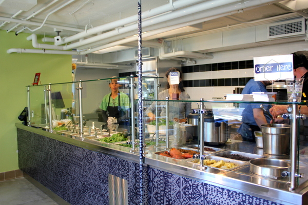 Moms Organic Market Arlington opening by Mindful Healthy Life - Naked Lunch counter