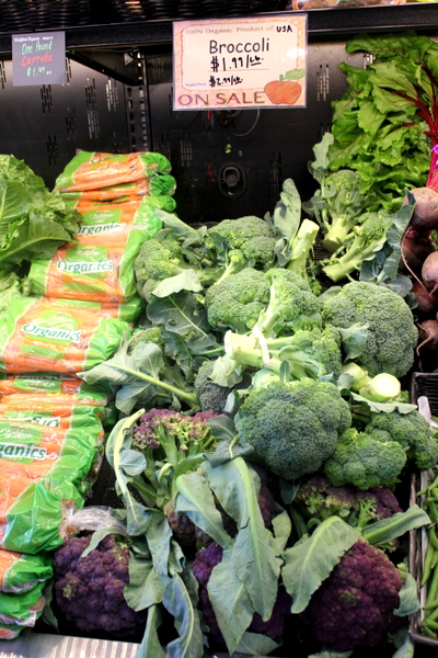 Moms Organic Market Arlington opening by Mindful Healthy Life - broccoli