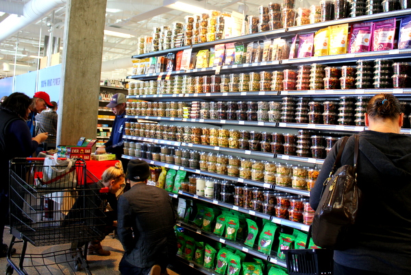 Moms Organic Market Arlington opening by Mindful Healthy Life - bulk at entrance and Ever Bar tasting