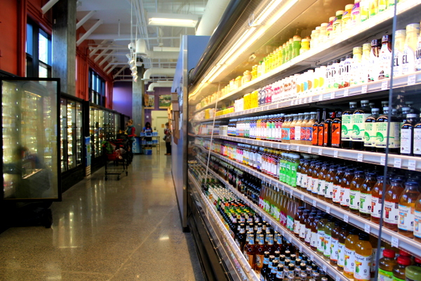Moms Organic Market Arlington opening by Mindful Healthy Life - drinks