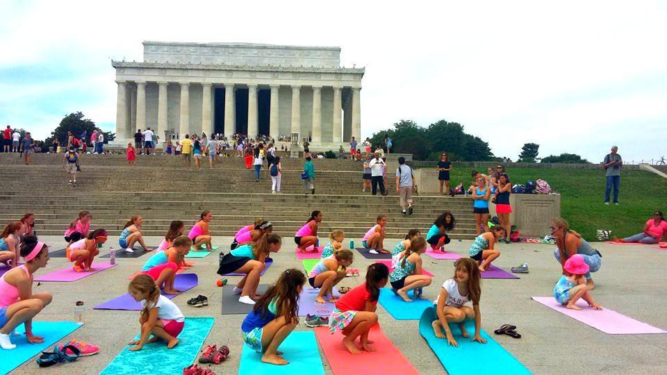 ivivva coasttocoast yoga on the mall squat