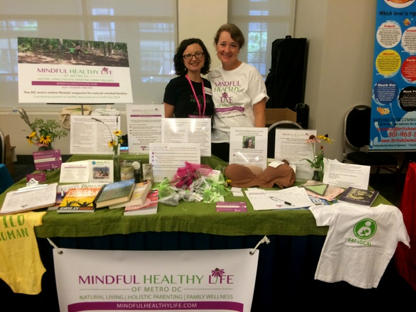 MommyCon Mindful Healthy Life table with Lisa