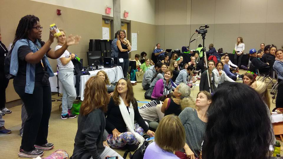 national-kids-yoga-conference-2016-mindful-healthy-life-crowd