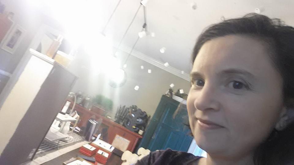 Beautycounter Jessica Claire Haney selfie